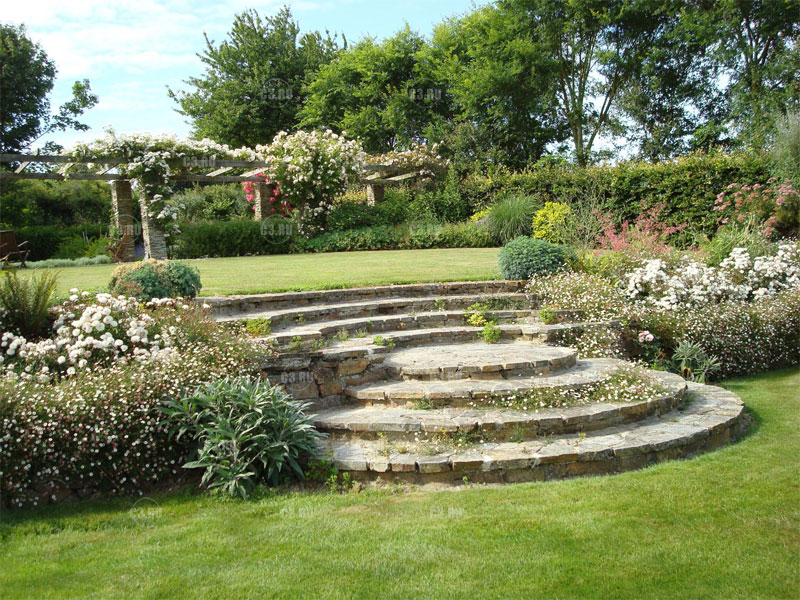 Как построить каменные ступеньки к входной двери