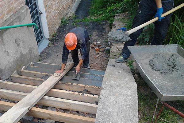 Как сделать лестницу на улице?